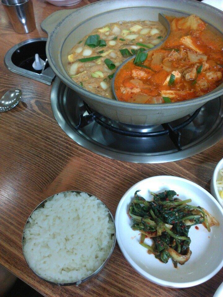 점심식사(김치찌개와_된장찌개를_한번에)